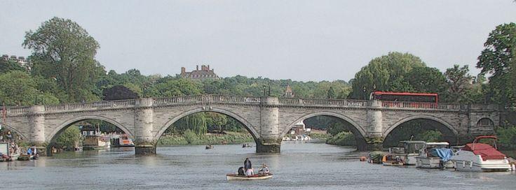 Facebookカバー写真:ロンドン:リッチモンド・ブリッジ