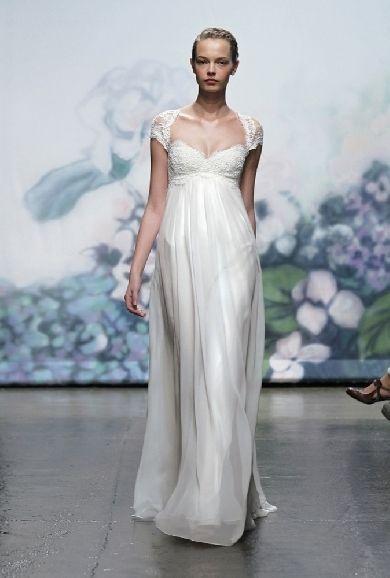 Cap-sleeved Monique Lhuillier gown