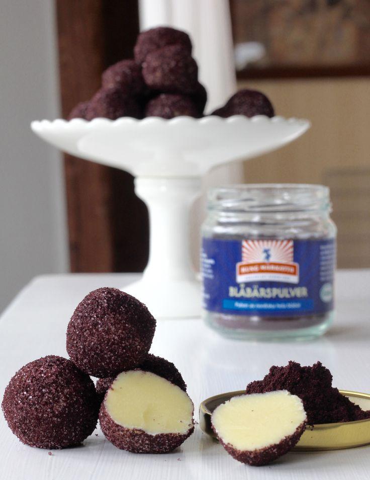 vit choklad och blåbärstryffel