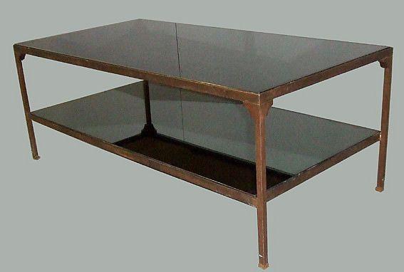 TABLE DE SALON EN BRONZE. PLATEAU MIROIR. TRAVAIL FRANCAIS VERS 1940/1950.
