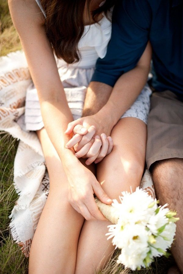 Holding hands, flowers, love