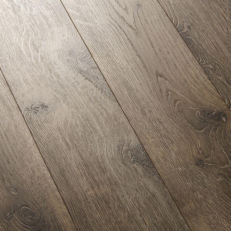 A Medium Brown Tone With Rustic Knots Quick Step Elevae Terrain