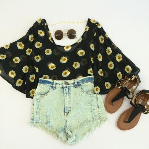 this is a cute little hippie outfit ✌ http://shopitlow.com