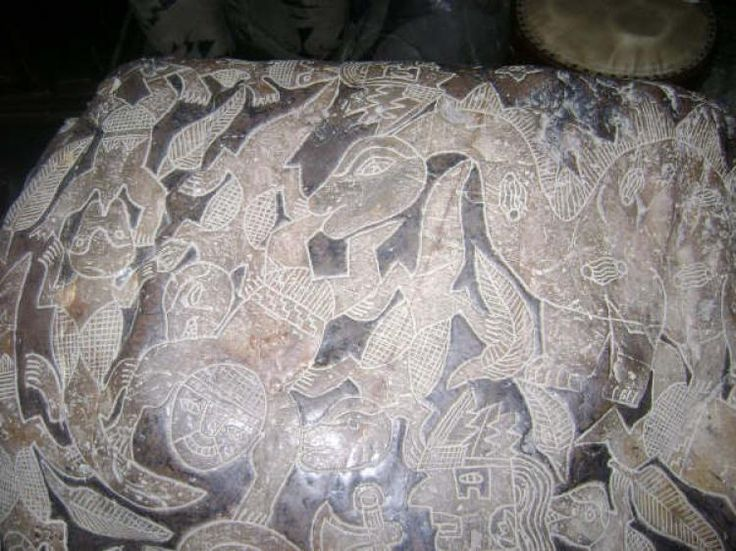 Pedras entalhadas de Ica seriam uma biblioteca pré-histórica? | #Cabrera, #Chapéu, #Cocares, #Entalhadas, #Ica, #JavierCabreraDarquea, #MuseuCabrera, #Nazca, #Paleontólogos, #Pedra, #Pedras, #Peru, #Rocha, #Roupa, #Sapato