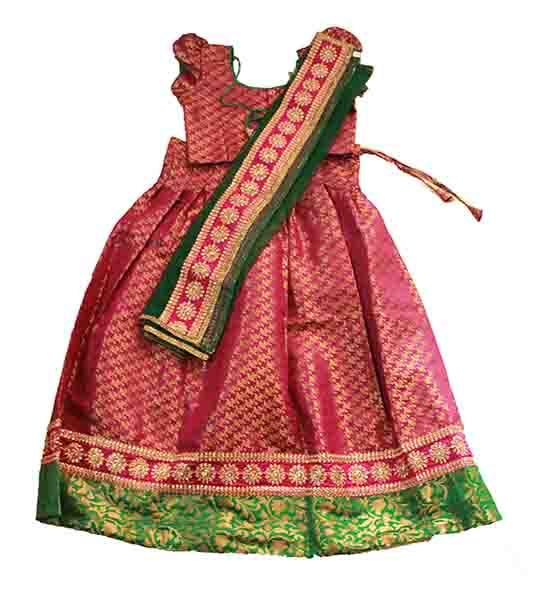 Girls half saree ..  size : 9- 10 years Price : Rs 1550 Free shipping all over India Whatsapp : +91-9629187349  http://www.princenprincess.in/index.php/home/product/219/Maroon%20and%20green%20half%20saree