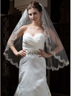 One-tier Fingertip Bridal Veils With Lace Applique Edge (006034300) - JJsHouse  $16.99