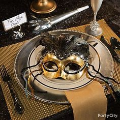 Have you considered to host a Masquerade ball? Then this is what you need!