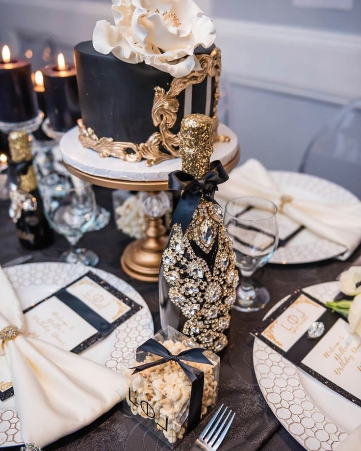 Black & Gold Decor! Elegant Opulent Treasures Cake Stands See more here: http://www.opulenttreasures.com/shop/chandelier-ball-base-round-cakes-set-of-3