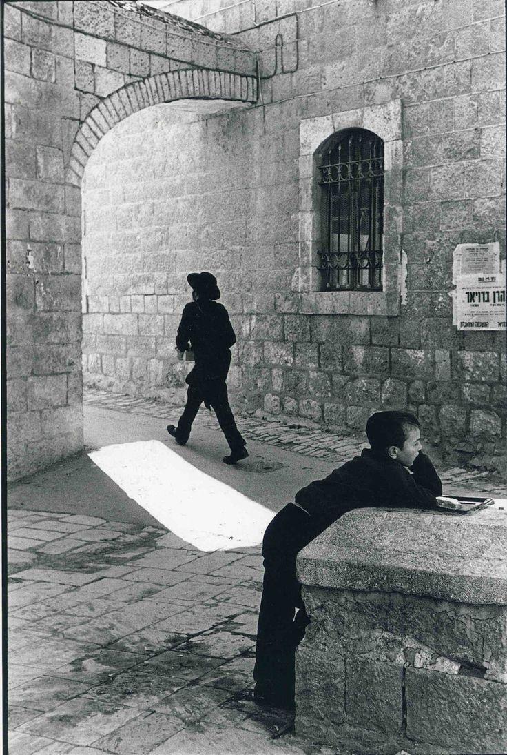 Jerusalem 1967. The Purim Festival. The Me'a She'arim Orthodox quarter of the city (Leonard Freed photo)