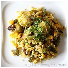 Gdy w brzuchu burczy... : Kasza jaglana z warzywami i jajkiem