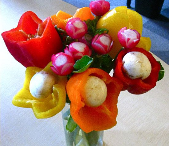 Vegetable Centerpiece. Doesn't look too hard to make.