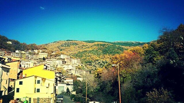 #Desulo immerso nei colori autunnali delle sue montagne