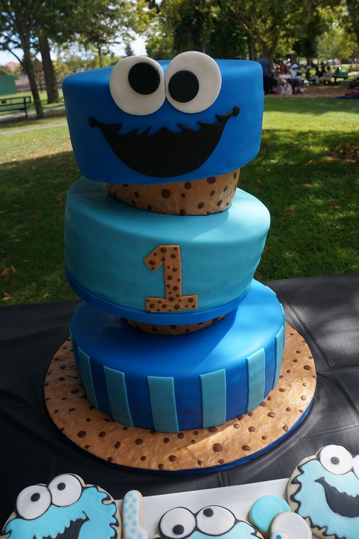 cookie monster cake made for his first birthday by jesi s home on birthday cake made from cookies