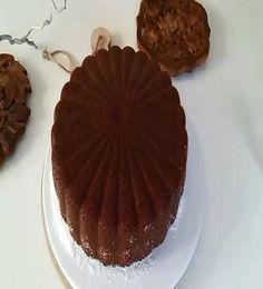 Bildiğiniz tüm ıslak kekleri unutun hem çok kolay hemde browni tadında gerçek bir yaş kek tarifi sizlerle favorilerinize ekleyin