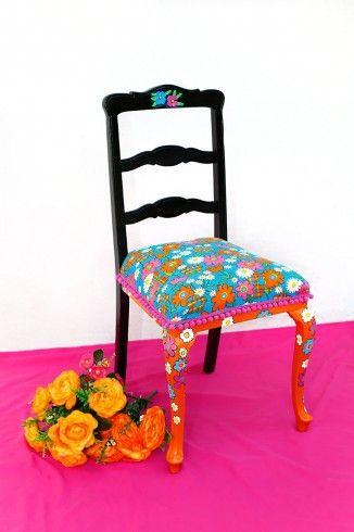 Auténtica, desenfadada y colorida, estuvo opacada por mucho tiempo y hoy brilla con sus colores propios.  #Silla: $110.000