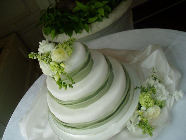 Torte nuziali con fiori
