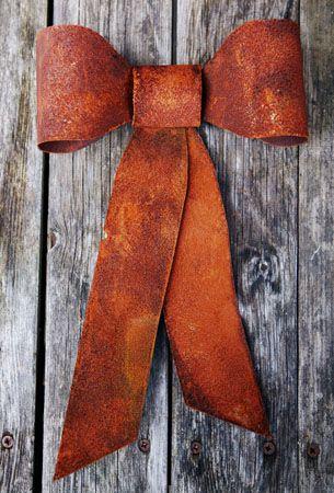 Rusty Metal Bow... <3