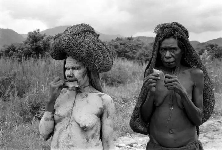 INDONESIA. Irian Jaya. 1989. The Dani Tribe.