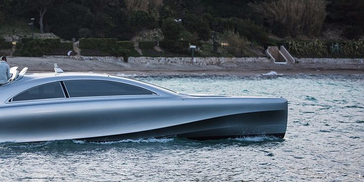 "Done in collaboration with yacht manufacturer Silver Arrows Marine, the yacht is officially titled the ""Mercedes-Benz Arrow 460-Granturismo."""
