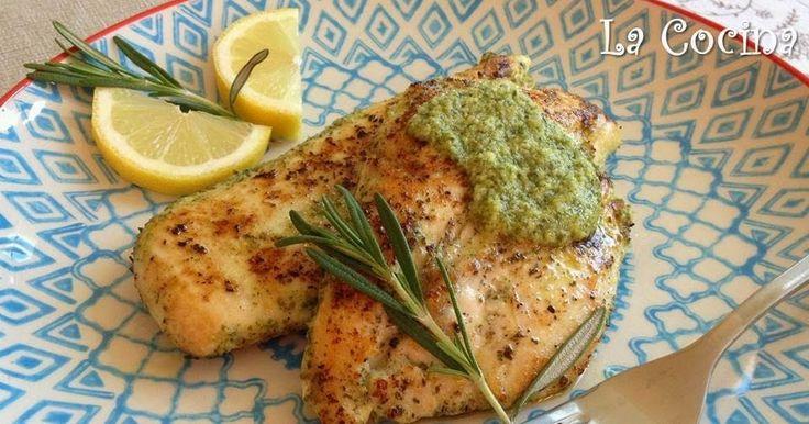 Twittear      Filetes de pechuga de pollo marinados en una mezcla de aceite de oliva, ajo, limón y romero fresco y cocinado...