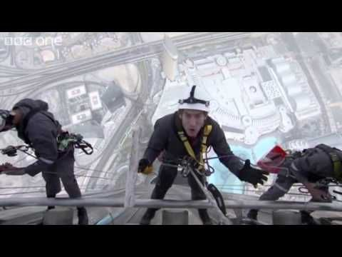 Cleaning Windows on the worlds tallest building