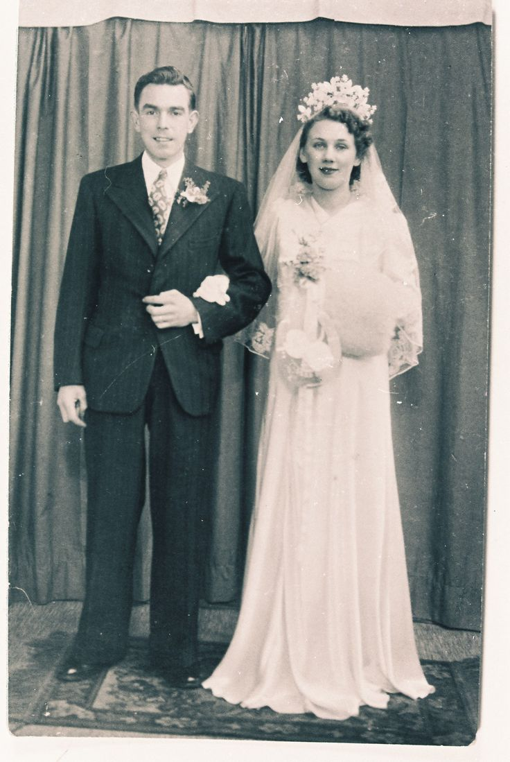 Chic Vintage Brides  http://chicvintagebrides.com/index.php/chic-vintage-bride/chic-vintage-brides/