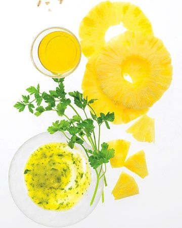 Pineapple Face Scrub 2/3 cup fresh pineapple chunks (room temperature) 1/4 cup cold-pressed olive oil 1/4 cup fresh, clean parsley, chopped Pulse pineapple in a blender, then add oil until almost smooth. Add parsley, and blend carefully so mask doesn't liquefy. Apply to skin and leave on for 15 minutes