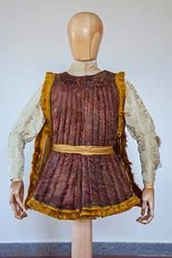 Don Diego I Cavaniglia (Napoli, 1453 – Copertino, 1481) , conte di Montella e Troia, è stato un nobile e condottiero italiano.  Morto nella battaglia di Otranto e sepolto nella chiesa di San Francesco a Folloni a Montella, il 1º marzo 2004 è stato ritrovato il suo scheletro che conservava parte dell'abbigliamento funebre, comprendente la giornea, che ad oggi rappresenta l'unico originale di questo indumento mai ritrovato[: