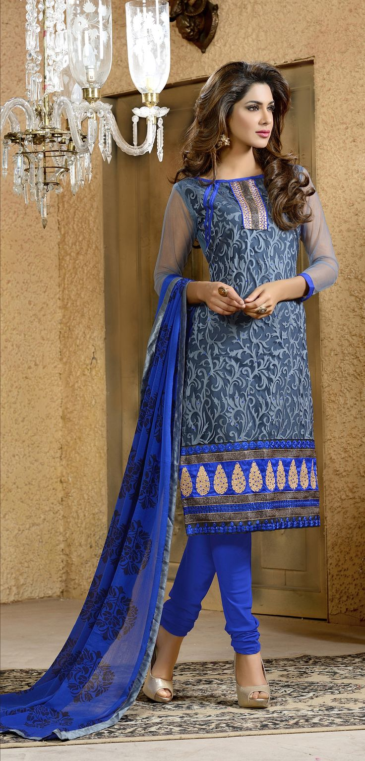 If i thought i could pull off dark blue, i would probably wear the fukk out of this!! Blue #net #brasso #designersalwarkameez  with chiffon dupatta