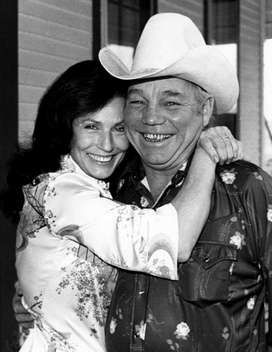 Never got to know moonie,but Loretta is one of the nicest people you ever met!! She is so down to earth!! The Queen of Country Music/ Miss Loretta Lynn