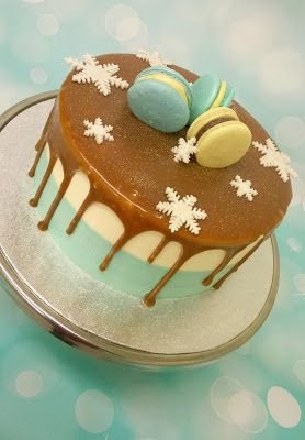 Purppurahelmen juhla- ja  fantasiakakut: gluteeniton kakku