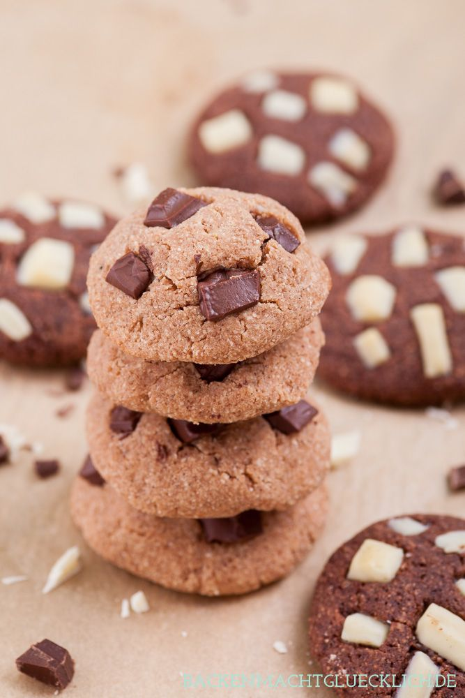 Chewy Cookies ohne Zucker und Mehl, glutenfrei und low carb   http://www.backenmachtgluecklich.de