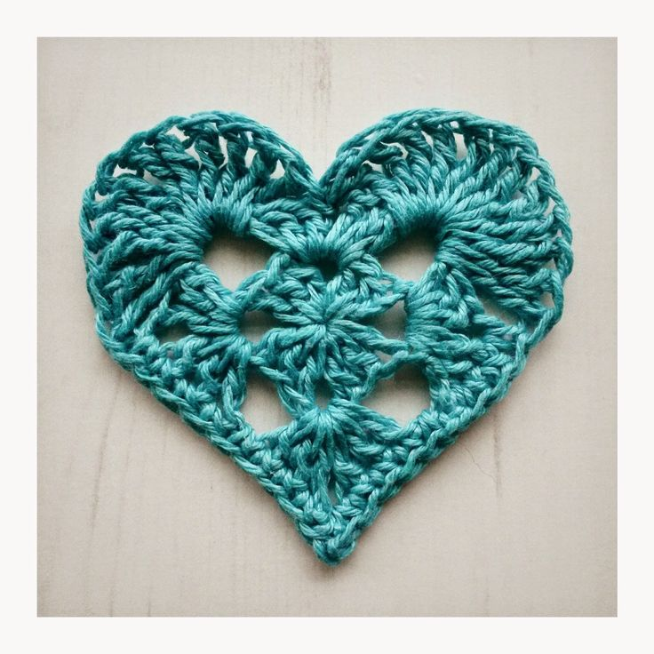 Crochet Tea Party :: Granny Heart, free pattern with chart.