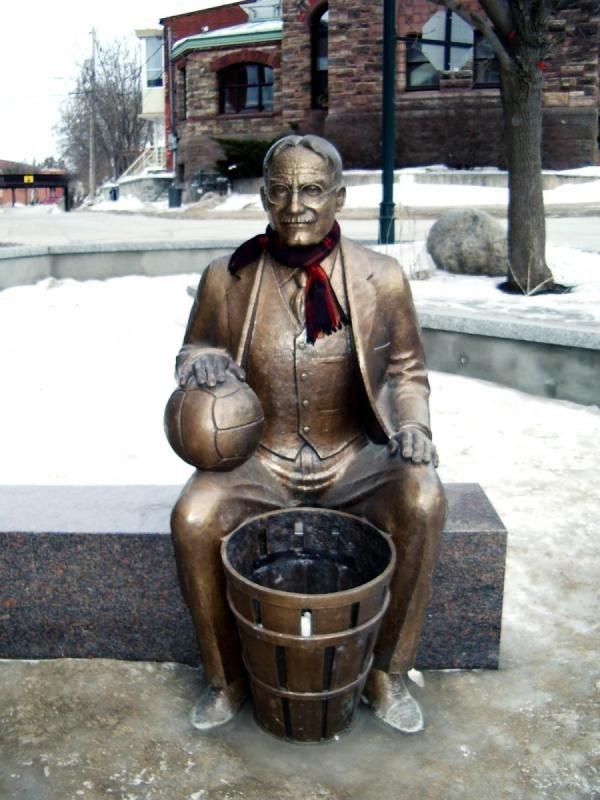 Inventor do basquete Dr. James Naismith, Almonte, Ontario