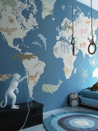 INKE Behang Wallpower Wereldkaart 300 x 300 cm blauw verkrijgbaar bij Deco Home Poulisse