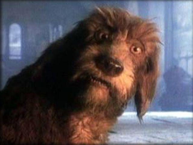 """Dit is de (mechanische) hond aan wie de """"Storyteller"""" al zijn verhalen vertelde...... en die zelf ook kon praten.....TV-serie """"The Storyteller"""" uit 1987."""