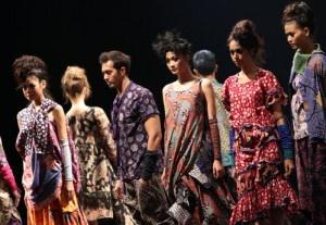 Batik menjadi warisan budaya Indonesia dan dunia.