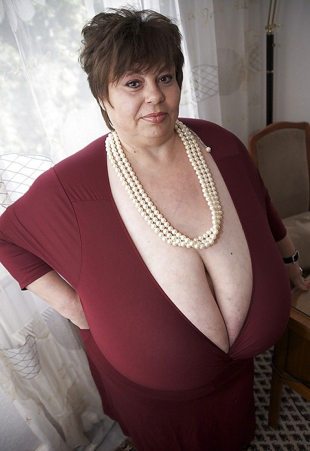 ssbbw huge breasts