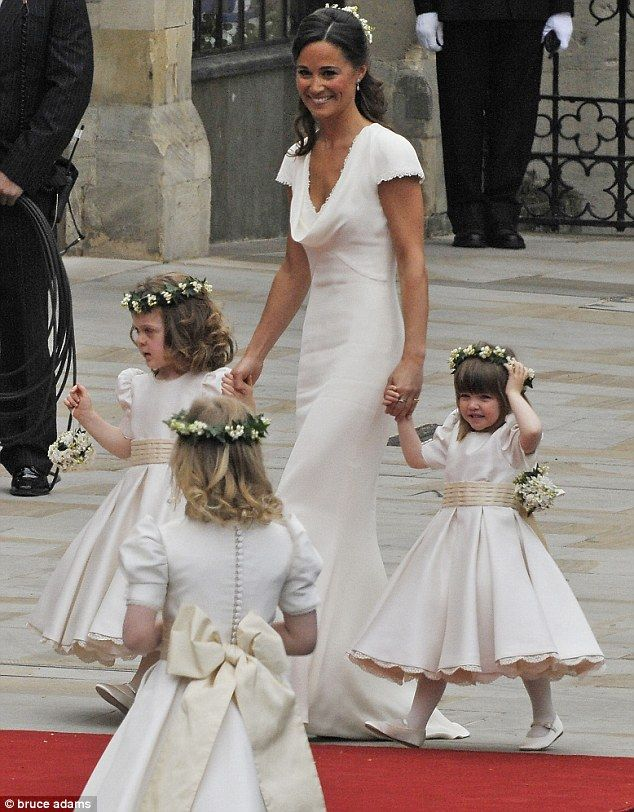 pippa middletons's bridesmaid dress was soooo fantanstic. it's definitely something i'd wear for my own wedding.