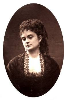Athalie Manvoy , born in 1842 and died in 1887 , is a dramatic and French demi-mondaine very popular luxurious artist under the Second Empire .