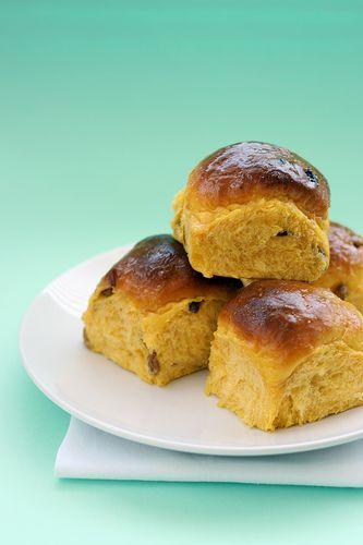 Per quest'anno il World Bread Day  è andato. E sì che avevo preparato e fotografato il mio pane (dolce) preferito per l'occasione, e inve...