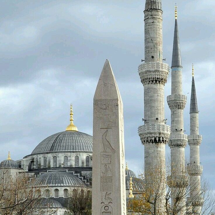 Blue Mosque and Thutmose III obelisk