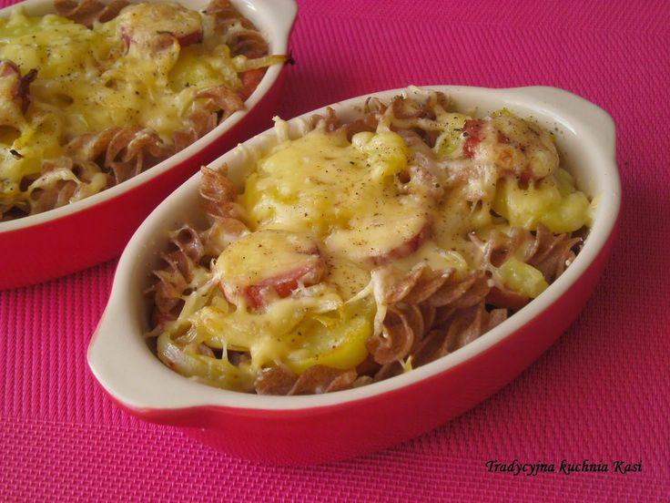 Tradycyjna kuchnia Kasi: Wiejska zapiekanka z makaronem orkiszowym