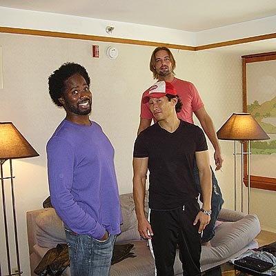 Harold Perrineau (Michael), Daniel Dae Kim (Jin) and Josh Holloway (Sawyer) behind the scenes of LOST.