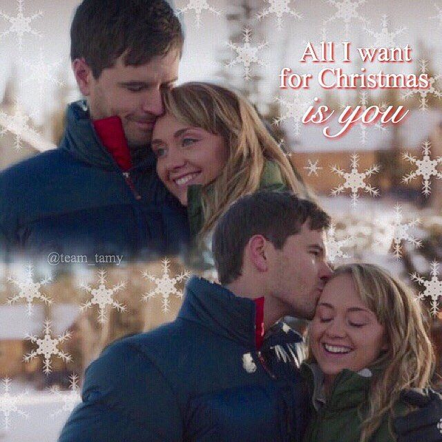 A little bit of Christmas cheer! Less than a week to go! Excited? #heartland #iloveheartland #heartlandoncbc #tamy #ambermarshall #grahamwardle #cowgirl #canada #cbc #snow #christmas