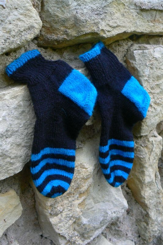 Oliver socks - black and tyrkys (yarn Fabel . DROPS)