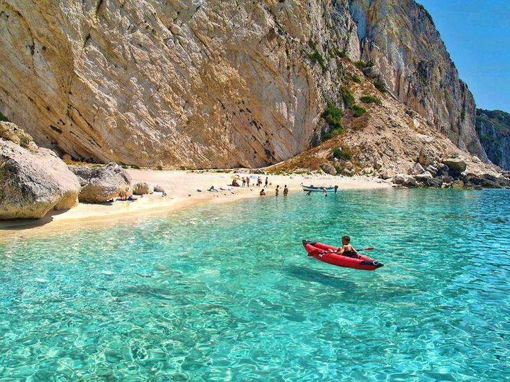 Ilha Aspri Ammos em Othoni na Grécia.