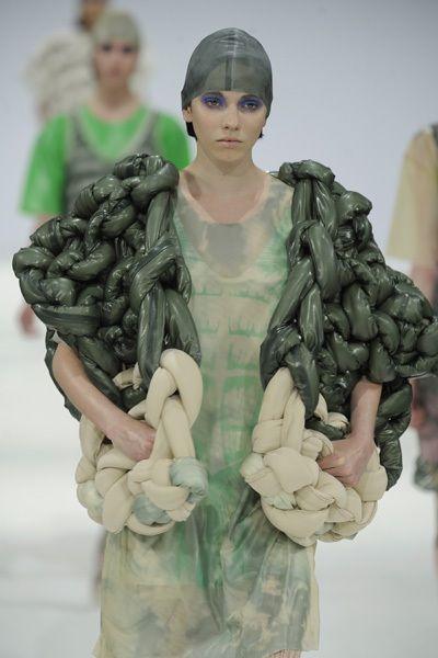 Sarah Benning 2009 latex