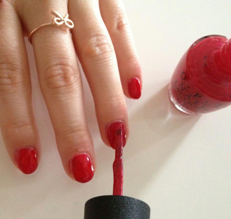 Hot Red #Summer #Nails  #Nailpolish #fasheria #fashion #Beauty #blog #OPI