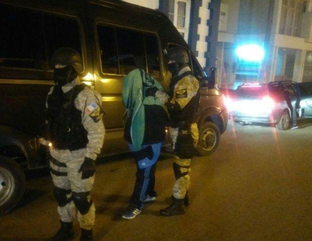 #Un detenido por venta de drogas en Cosquín - El Diario de Carlos Paz: El Diario de Carlos Paz Un detenido por venta de drogas en Cosquín…